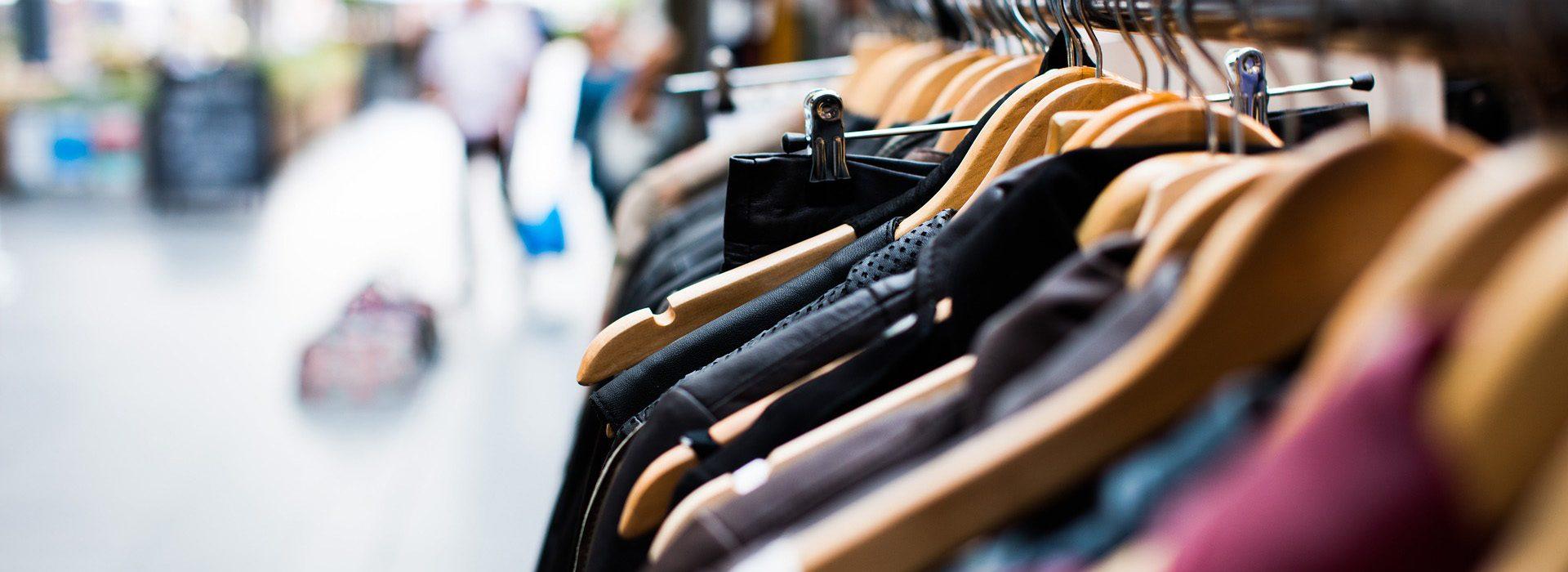 d8a8aa0e5ba Üks raskemaid asju kohvri pakkimisel on otsustada, millised riided kaasa  võtta ning millised koju jätta. Kui sa mõtled riideid pakkides  kõikvõimalike ...